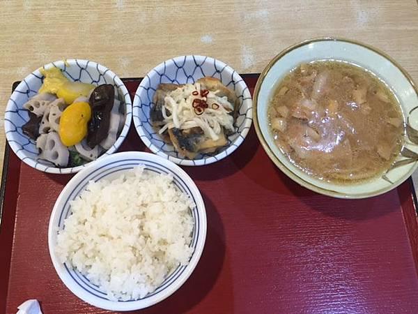 自助餐1 (1).JPG