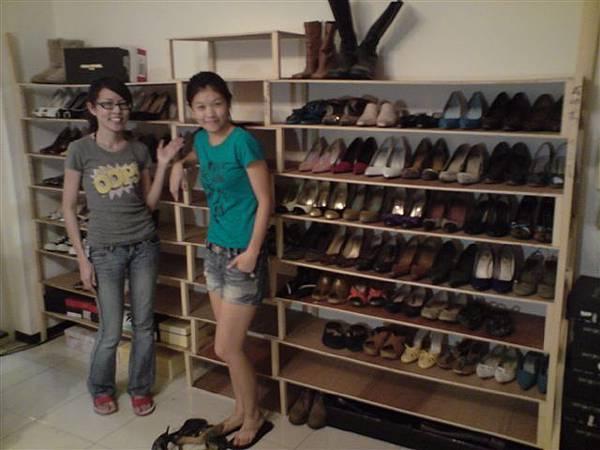 我們的鞋有家了