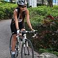 騎車逛公園