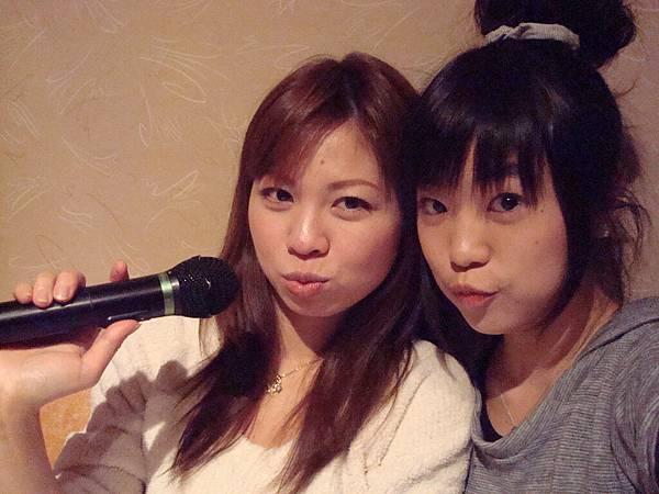 利元學姊和小藍是室友。