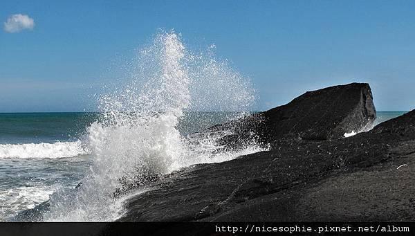 12-阻斷海岸路段之高繞點前方的礁岩.jpg