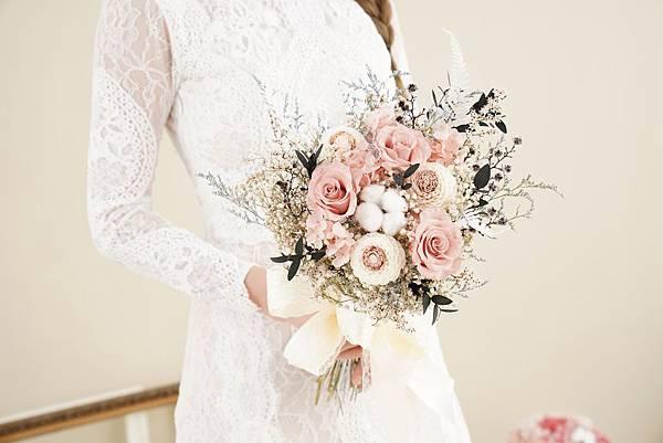 新娘捧花 永生花 婚紗捧花 乾燥花 奶茶色 甜美夢幻風格|歐美放射形 人氣款式