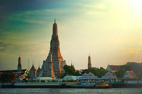photo-of-wat-arun-temple-1031659.jpg