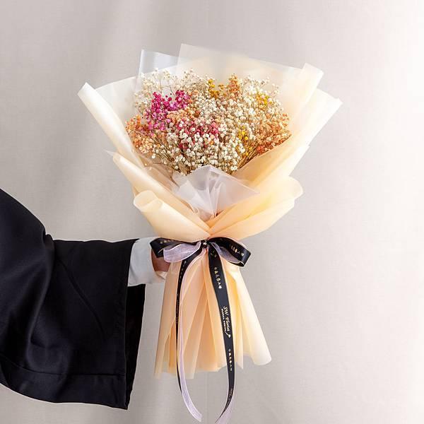 年輕人的最愛 橘色包裝彩色滿天星乾燥花束 情人節花束 畢業花束 大型花束