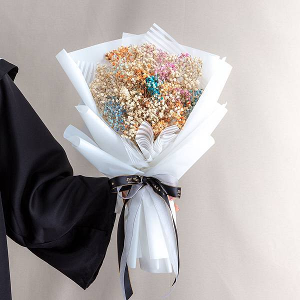 年輕人的最愛 白色包裝彩色滿天星乾燥花束 情人節花束 畢業花束 大型花束