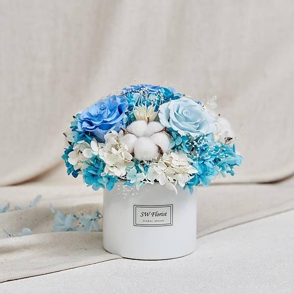 經典款不凋花桌花 永生花 乾燥花 桌花設計 蔚藍 圓形 大型桌花 白盆
