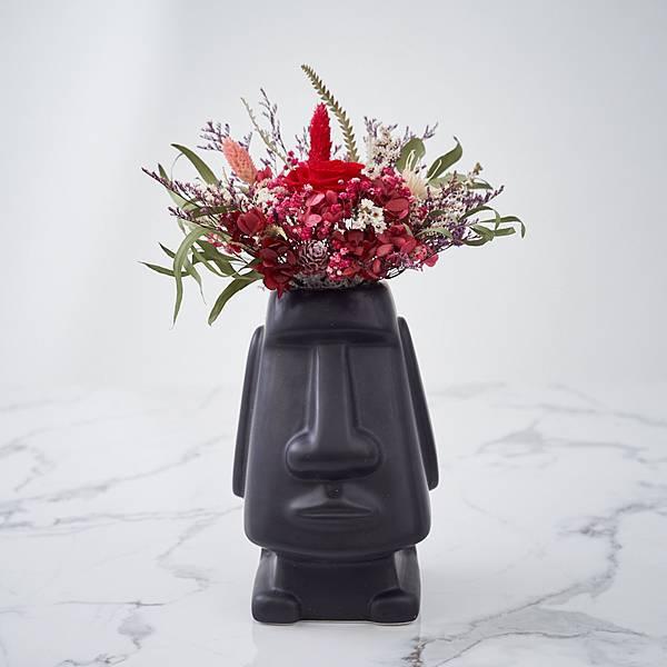 乾燥花桌花 桌花設計 不凋花 紅色系 摩艾造型(黑色) 大型桌花