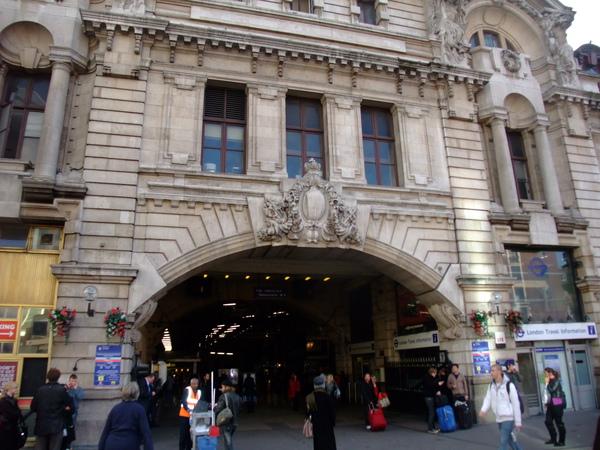 Victoria車站~~