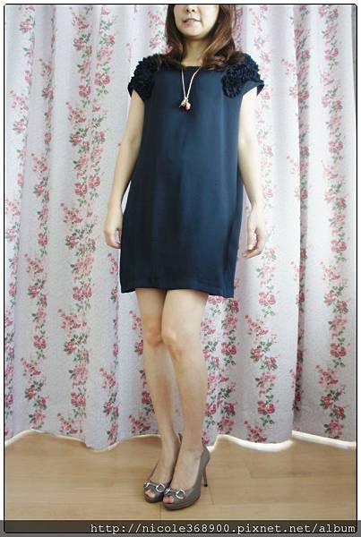 韓版深藍絲質洋裝售1280元