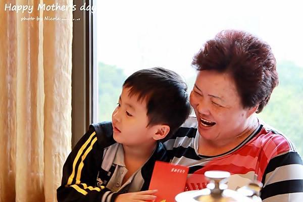 20110507 母親節聚餐IMG_0937.JPG