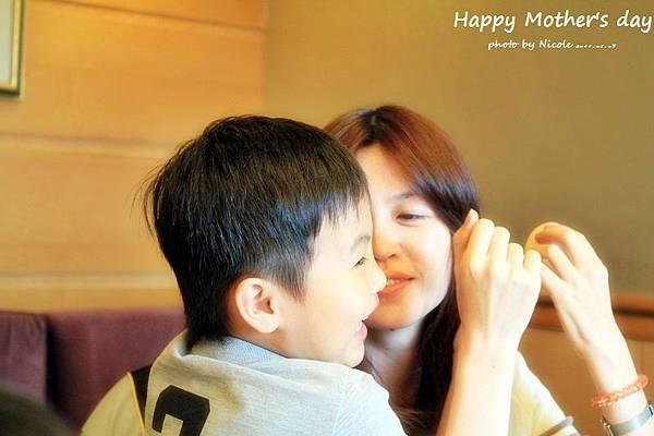 20110507 母親節聚餐IMG_1039.JPG