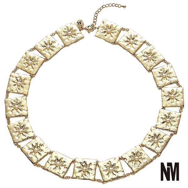 珍珠環繞金色項鍊