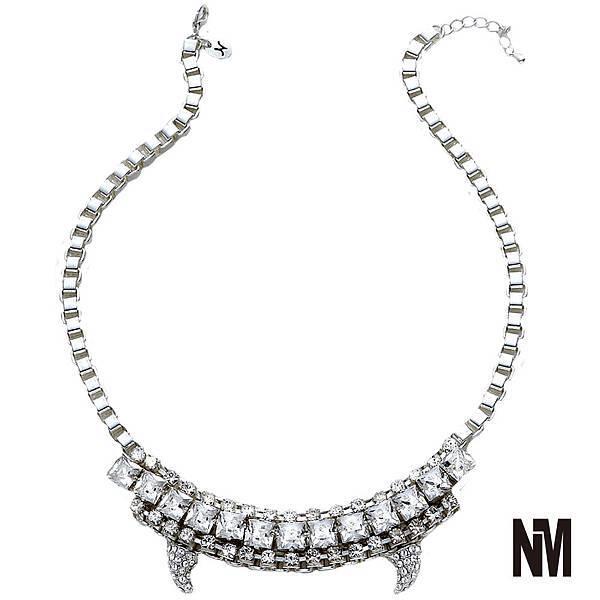 獠牙造型鑲鑽水晶項鍊