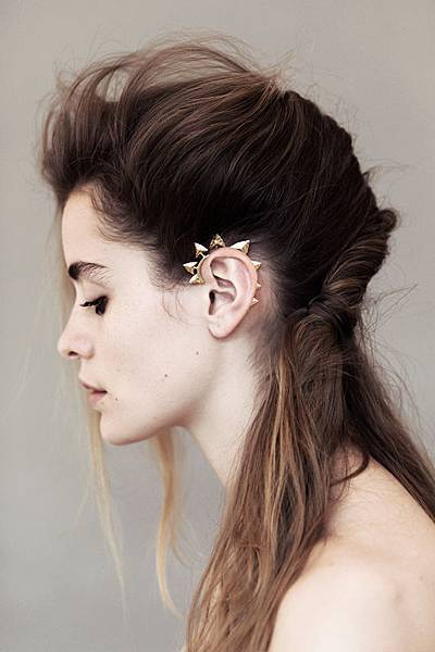modern_primitive_ear_cuff_gold_notjustalabel_2101163743