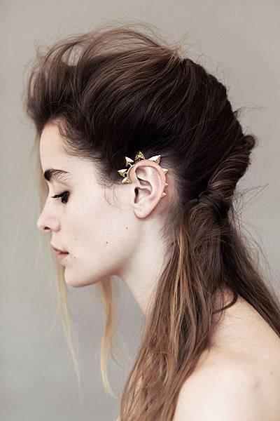 modern_primitive_ear_cuff_gold_notjustalabel_2101163743