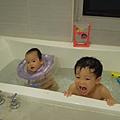 兄妹共浴初體驗