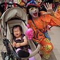 被小丑嚇哭了