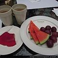 非常陽春的下午茶,還有二小塊鬆餅沒拍到@溪頭風景區