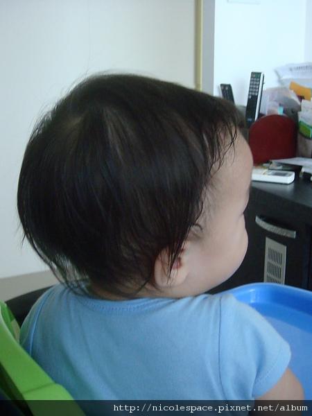 剪髮前_右邊.JPG