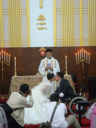 第二步:親新娘