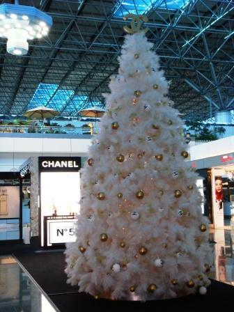 桃園機場第二航廈CHANEL X'MAS TREE