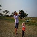 看姐姐放風箏@大樹舊鐵橋濕地公園