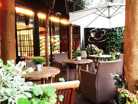 南投餐廳推薦新雜誌簡餐咖啡館 (3).JPG