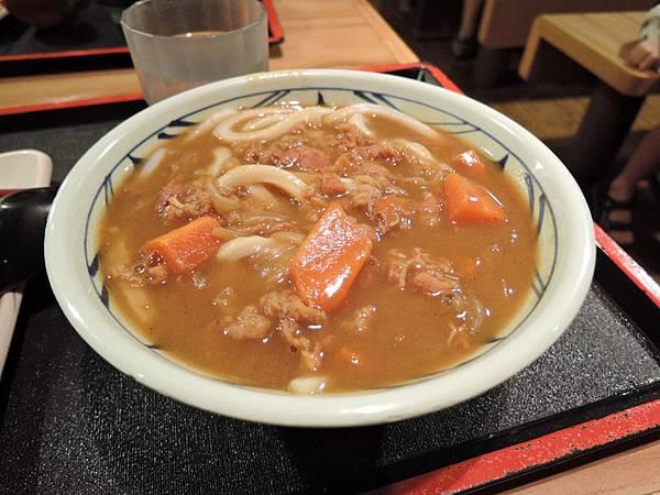 丸龜製麵:咖哩牛肉烏龍麵(中)