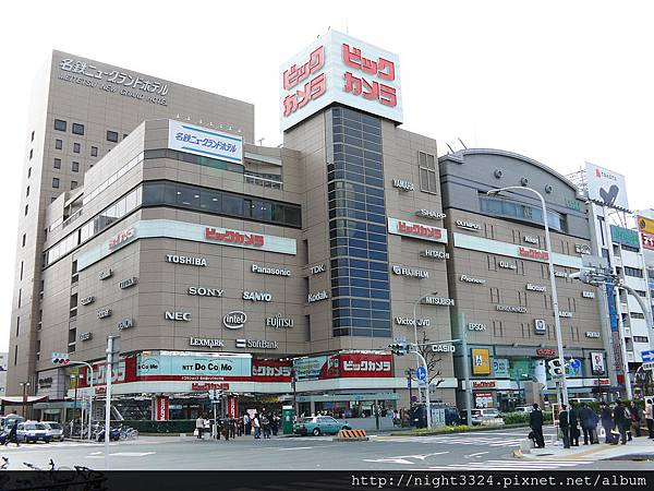 1024px-Bic_Camera_Nagoya_Ekinishi