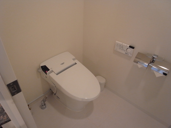 廁所馬桶,可以洗屁屁