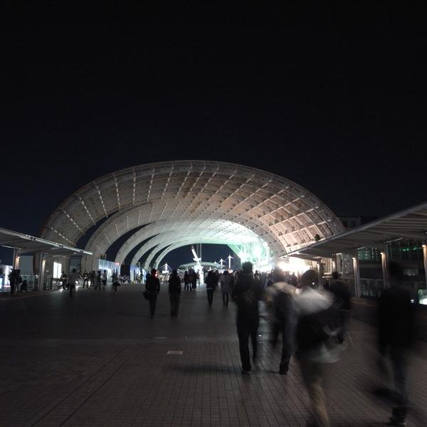 さいたま新都心駅‧晚上也很美