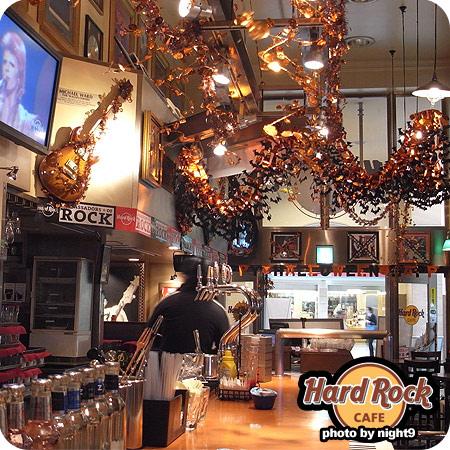 Hard Rock Cafe充滿萬聖節裝飾