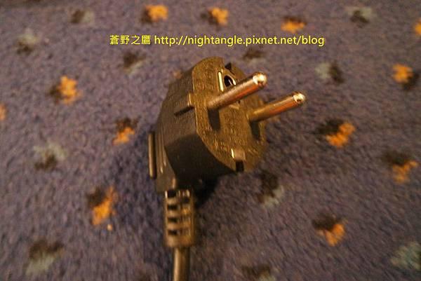 歐洲二孔圓型插頭-1
