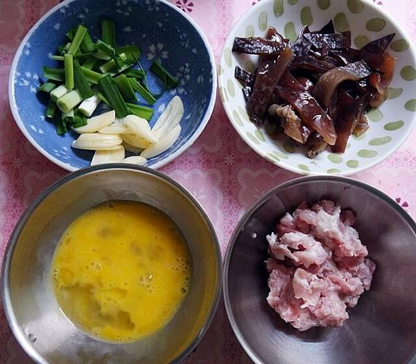 銀芽木耳炒絞肉-2