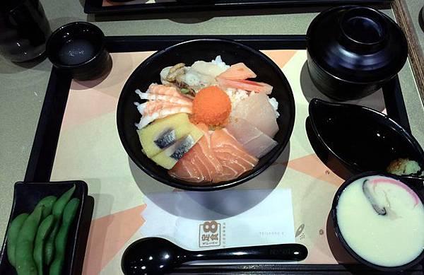 定食8-豪華海景丼定食
