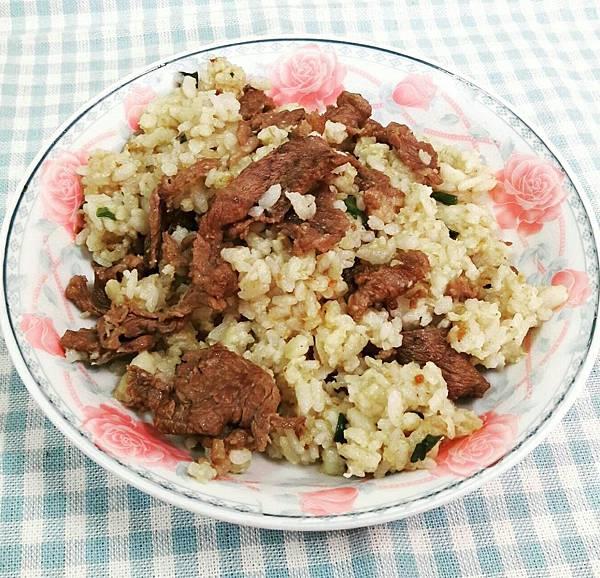牛肉蛋炒飯