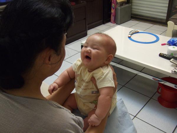 看到奶奶好開心