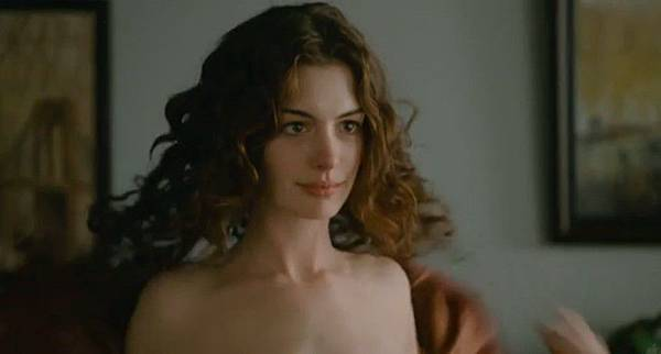 Love-and-Other-Drugs-anne-hathaway-14965410-848-454.jpg