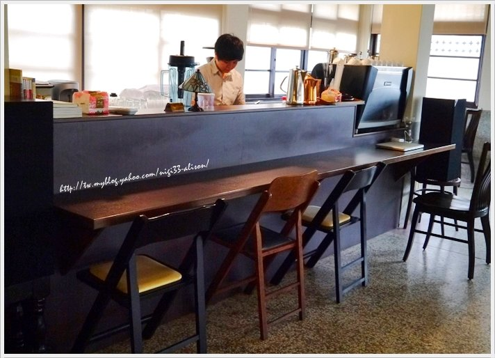 一二三亭 。書店喫茶12