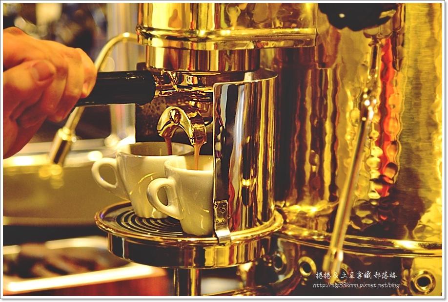 亨利咖啡西子灣3.JPG