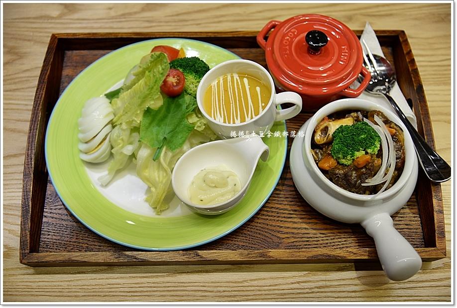 卡非小食光民生店11