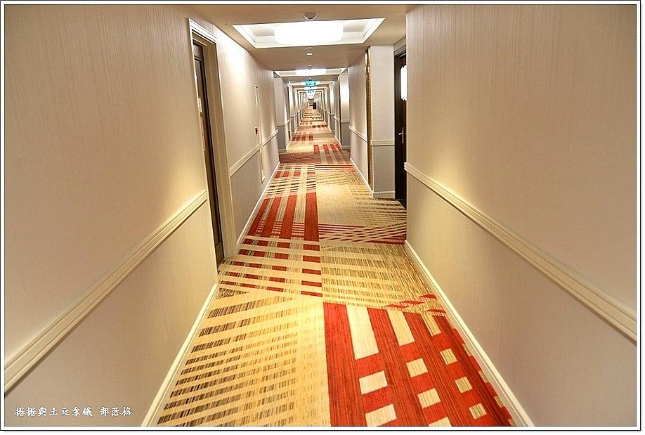 巴黎人酒店房間06.JPG