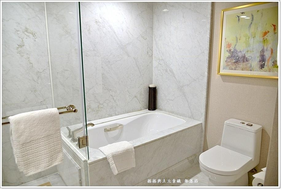 巴黎人酒店房間07.JPG