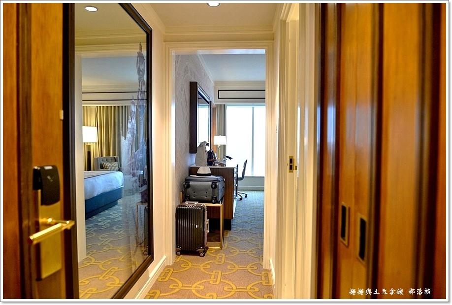 巴黎人酒店房間16.JPG