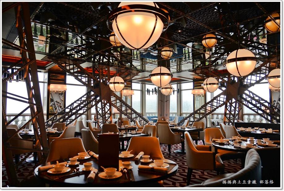 巴黎軒鐵塔餐廳06.JPG