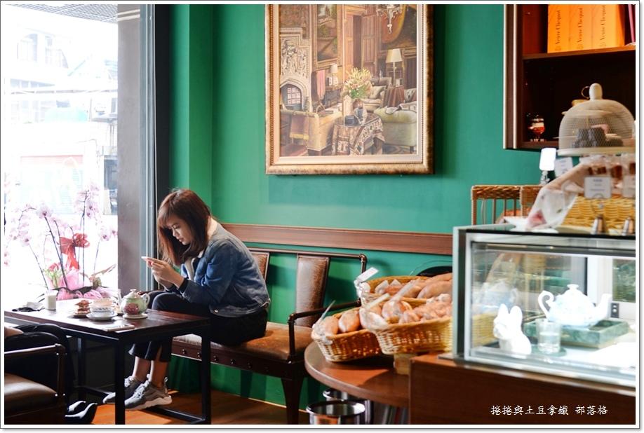 佐CAFE 06.JPG