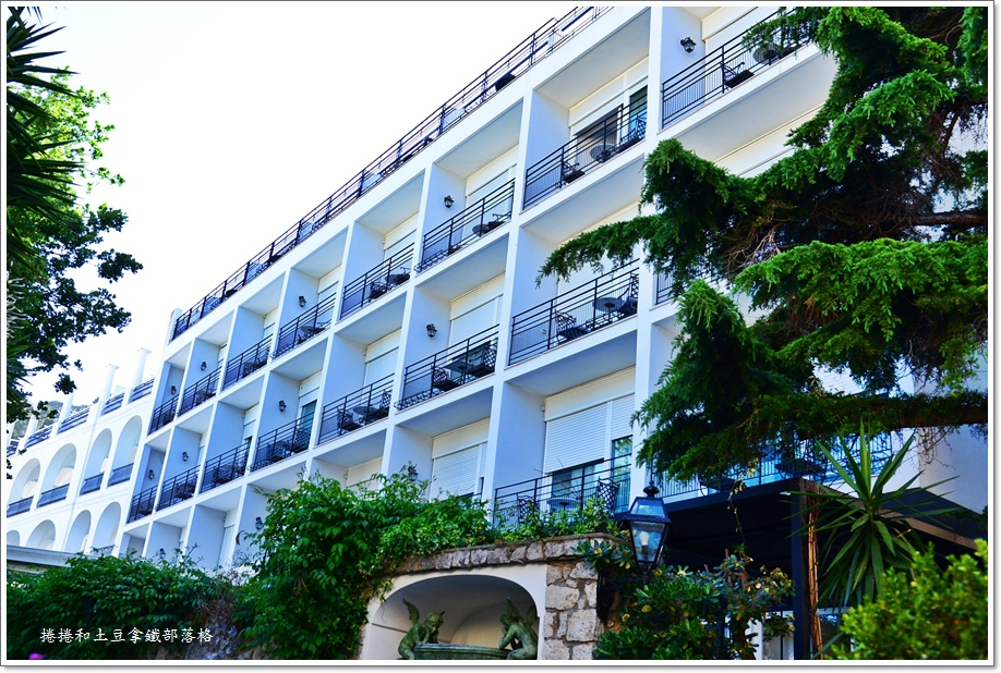卡布里島上飯店07.JPG