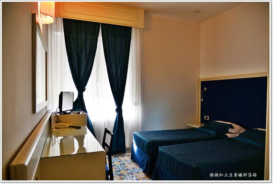 卡布里島上飯店11.JPG