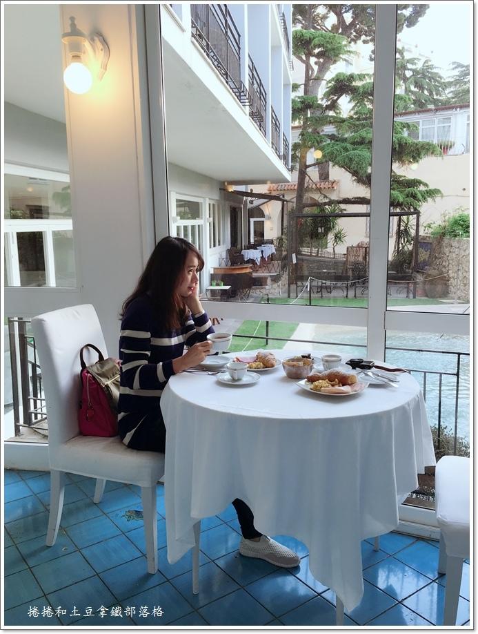 卡布里島上飯店24.JPG