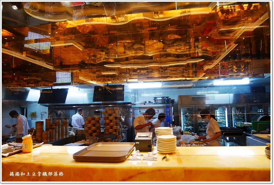 半開放廚房3.JPG